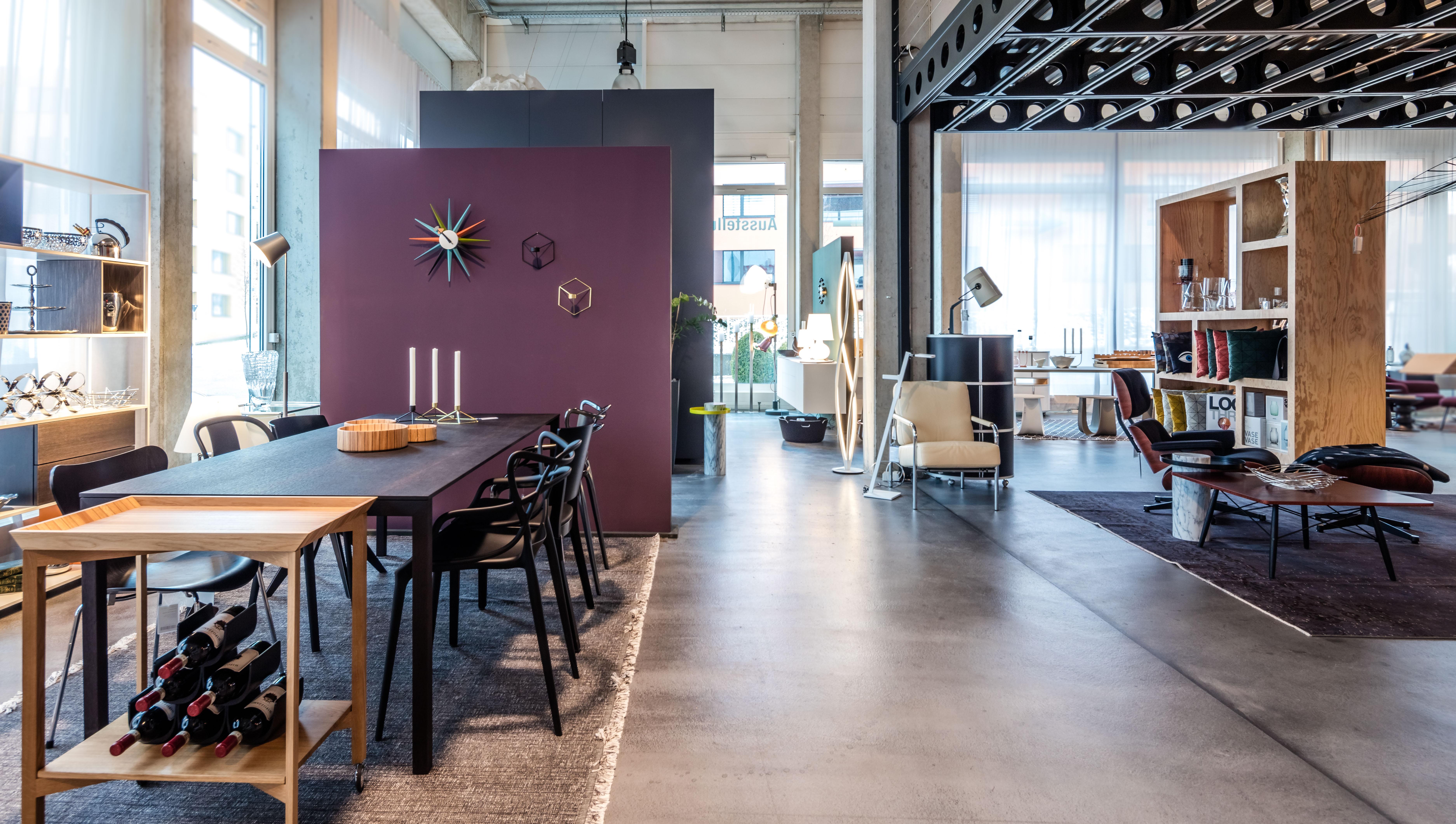 neuer einrichtungs-showroom für designmöbel auf über 2'000m2