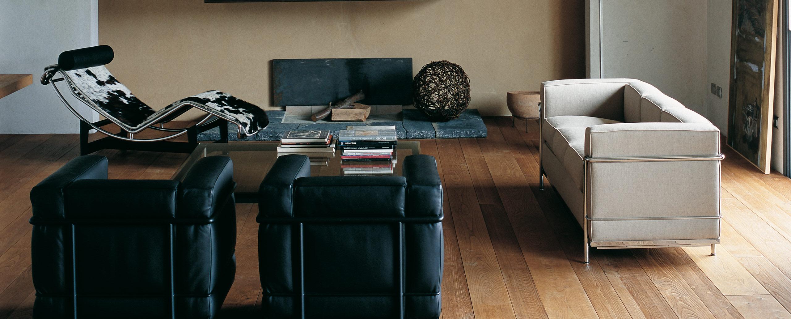 Inspiration Bauhaus: LE CORBUSIER - LC2 Divano: Purismus in ...