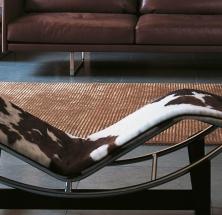Inspiration Bauhaus: LE CORBUSIER – LC4 – eine Chaiselongue mit ausgewogener Funktionalität und Eleganz