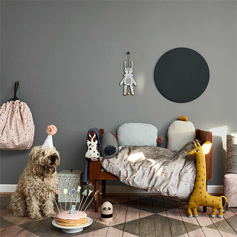 oyoy living design noah giraffe kissen bruno. Black Bedroom Furniture Sets. Home Design Ideas