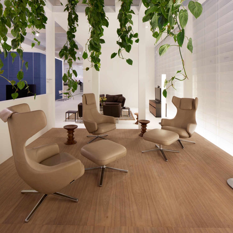 vitra grand repos ottoman ledersessel bruno. Black Bedroom Furniture Sets. Home Design Ideas