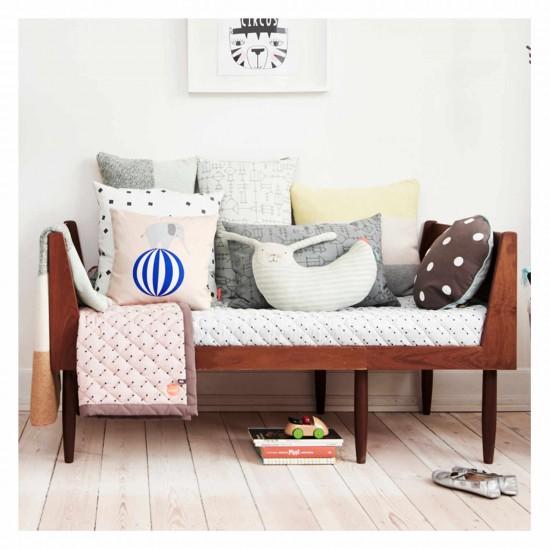 OYOY Living Design Hase Peter Kissen 122_1100387