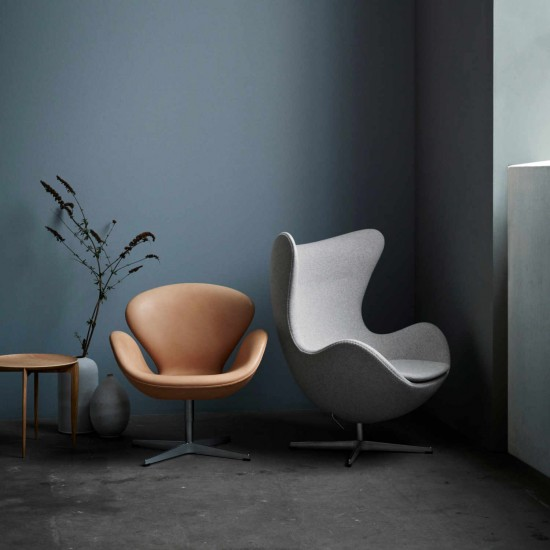 fritz hansen das ei egg 3316 sessel 3127 fusshocker bruno. Black Bedroom Furniture Sets. Home Design Ideas