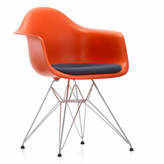 vitra eames plastic armchair dar stuhl bruno wickart. Black Bedroom Furniture Sets. Home Design Ideas