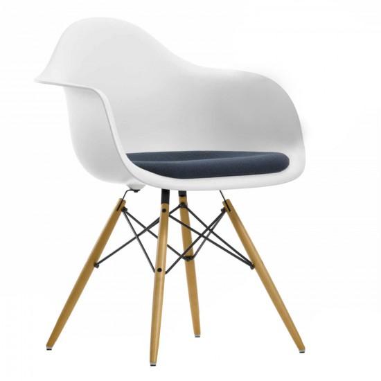Vitra Eames Plastic Armchair DAW Stuhl Ausstellungsstück 20_44032600_04160201_O