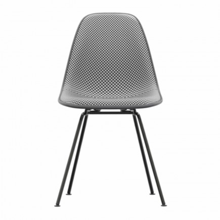 Vitra Eames Plastic Side Chair DSX Checker Edition Stuhl Vitra 20_DSX-CHECKER